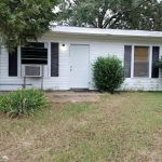 1319 S. Houston $525/$525      $200 Off First Month's Rent!!!